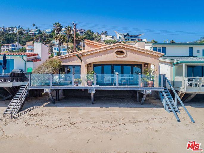 Malibu beachfront retreat