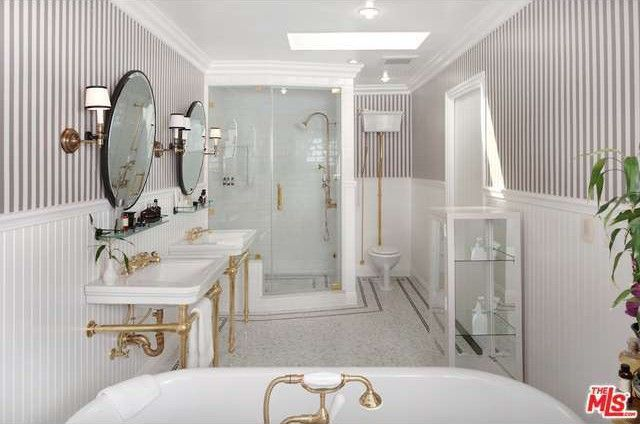 A Regency-style bathroom