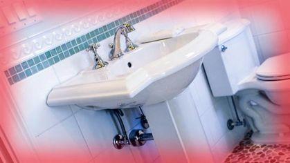 9 Bathroom Decor Ideas Designers Really Wish You Wouldn't Follow