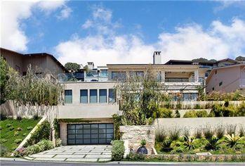 Live on the Stylish Edge: Laguna Beach Modern For Sale at $14 Million (PHOTOS)