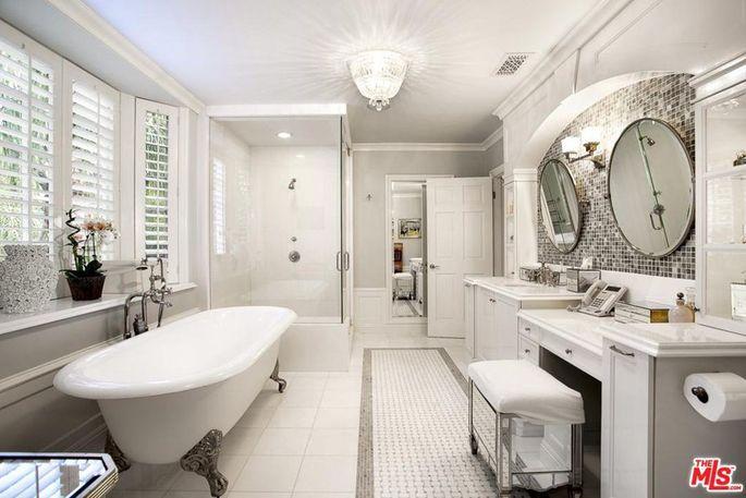 Light, bright bathroom