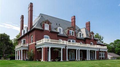 Magnificent Mansion in Bar Harbor, ME, Lands on Market for $4.5M