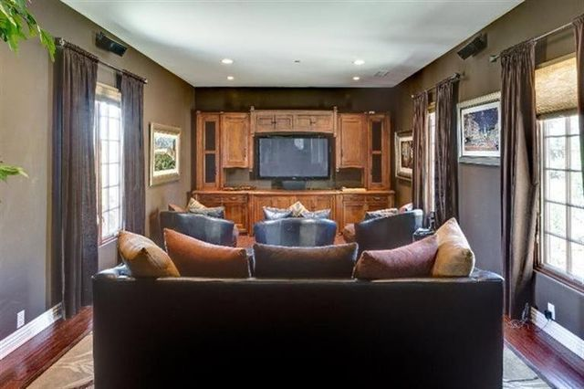 ex 39 entertainment tonight 39 host mark steines selling in ojai. Black Bedroom Furniture Sets. Home Design Ideas