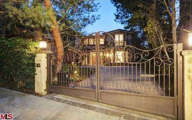 Sarah Michelle Gellar, Freddie Prinze Jr. List Bel-Air House