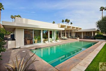 """""""It's A Wonderful Life"""" Director Frank Capra's Former Home For Sale"""