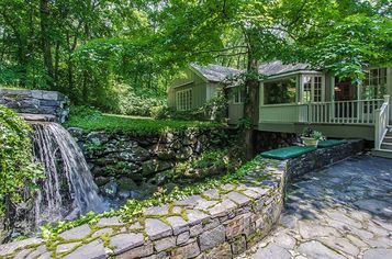 Waterworks: A River Runs Through This Stone Cottage in Connecticut