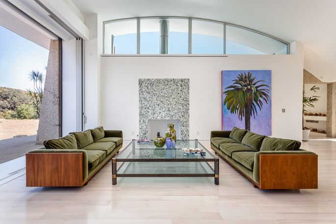 socal home strikes fine balance between comfort and