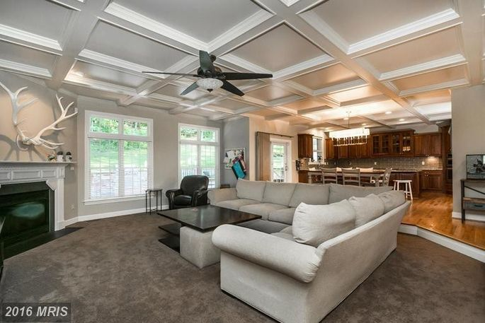 Braves outfielder nick markakis selling his maryland home for Channel 10 living room catch up