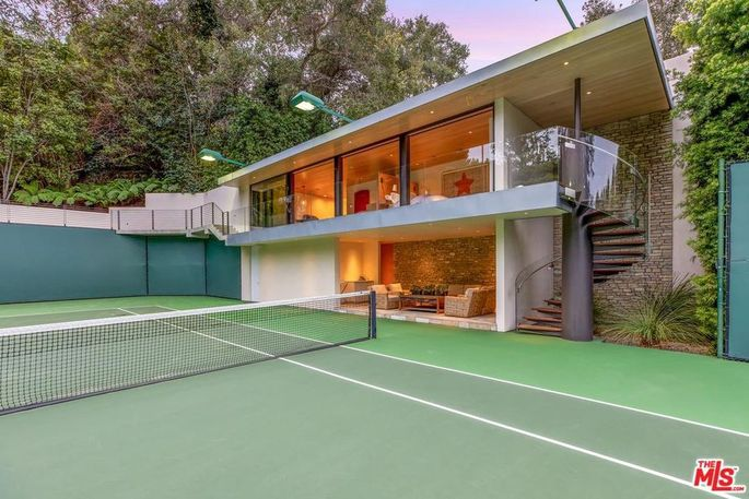 Tennis court with guest apartment