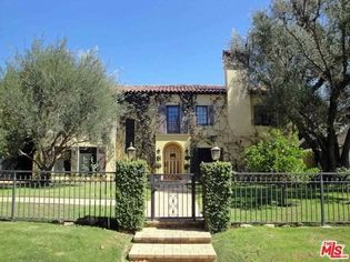 Opa! Nia Vardalos' Former Los Angeles Home Is For Sale