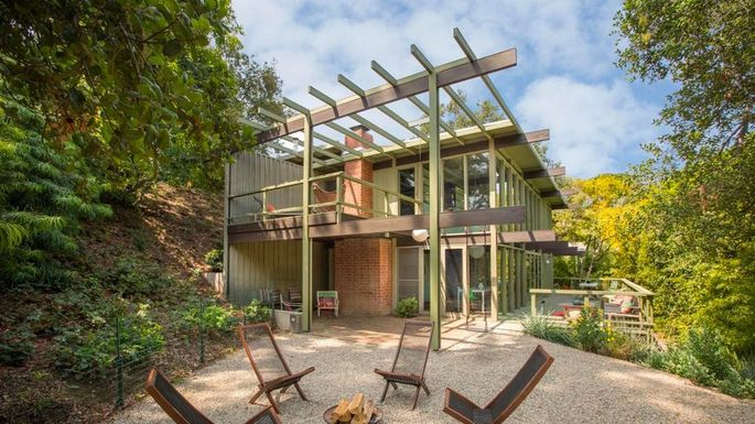 Immaculate Mid Century Modern In Pasadena Up For Auction