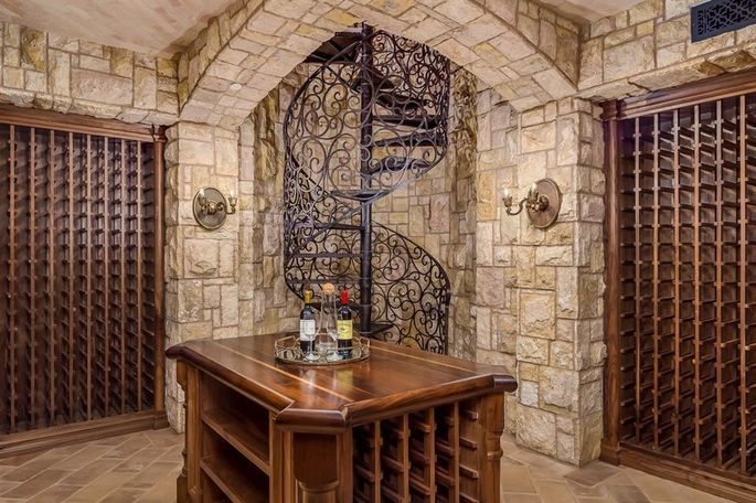 Two-level wine cellar