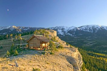 Living on the Edge: Five Stunningly Remote Cliff Top Homes (PHOTOS)