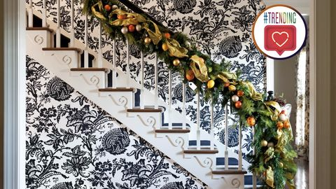 5 Festive Foyer Looks We Stole From Instagram That'll Instantly Put You in the Holiday Spirit