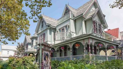 Queen Anne Victorian Comes With 1880s Decor and a Sweet Income Opportunity