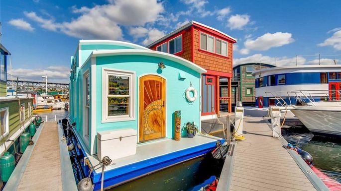 seattle-teal-houseboat