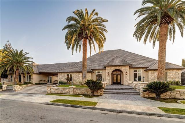 David-Carr-Bakersfield-Mansion-1