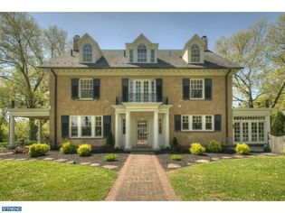 Tour Taylor Swift's Childhood Home