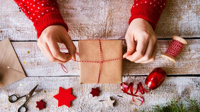 Holiday gift etiquette for homeowners renters and landlords holiday gift etiquette for homeowners negle Choice Image