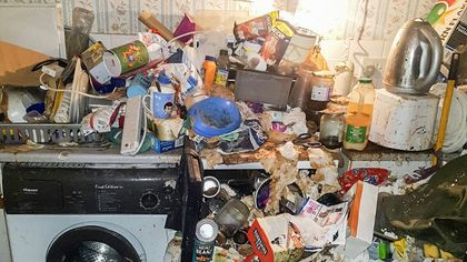 'Hoarders' Expert Reveals How Chaotic Clutter Starts—and If You're at Risk