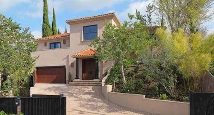 Straight Up: Paula Abdul Lists Sherman Oaks Home for $1.9 Mil (PHOTOS)