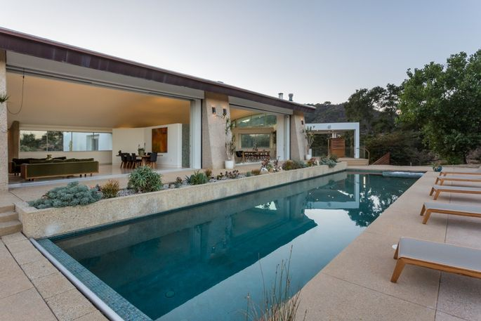 Socal Home Strikes Fine Balance Between Comfort And Conservation