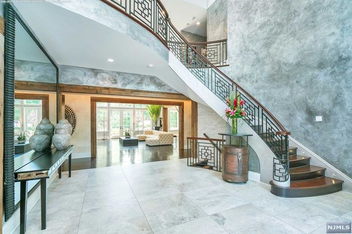 Worldwide Soccer Star Tim Cahill Promoting .75M New Jersey Mansion
