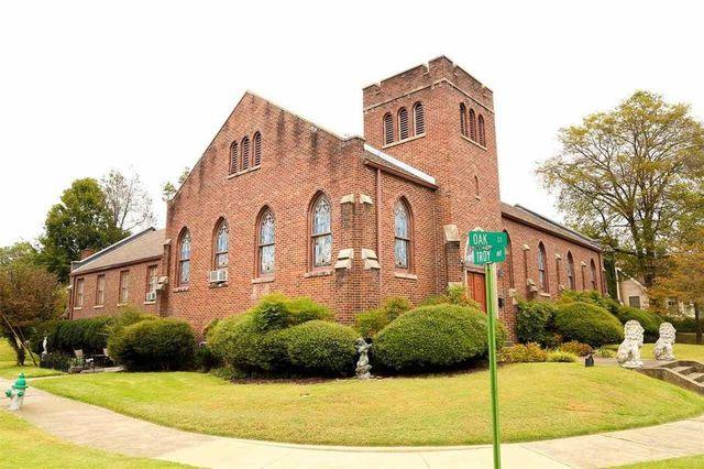 Dyersburg, TN church home exterior