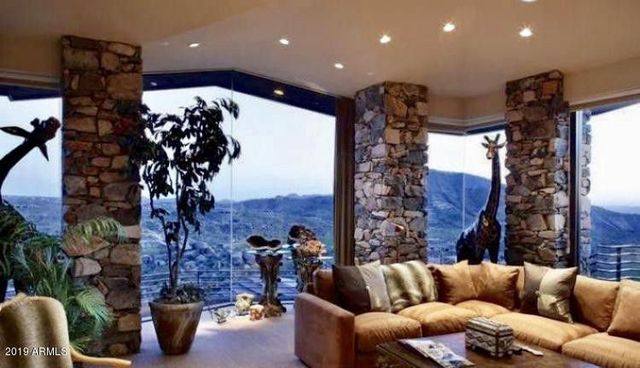 Family room at Steven Seagal home in Scottsdale