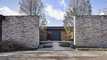 Gorgeous in Glencoe: Must-See Modern Illinois Home Designed by Tony Grunsfeld