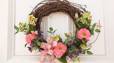 Country Chic: 5 Cute—Not Kitschy—Farmhouse Decor Ideas for Your Outdoor Space