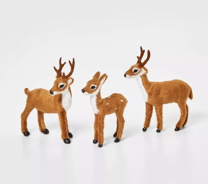 Place this trio near a gingerbread house on the dining table.