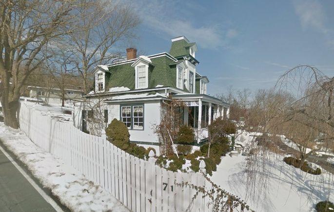 Photo: house/residence of the cool 0.5 million earning New York-resident