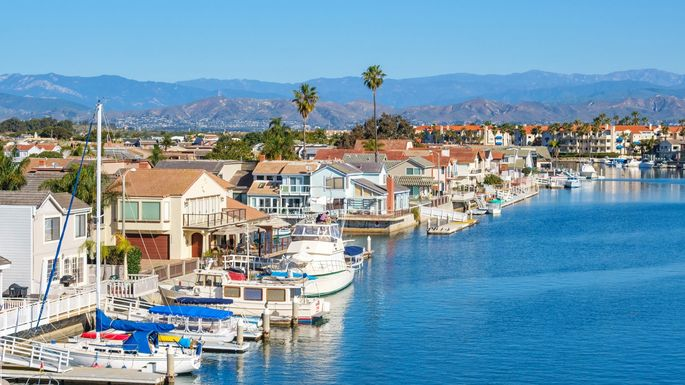 Waterfront homes in Oxnard, CA