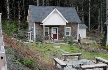 Tiny House: Cute Cottage on the Oregon Coast
