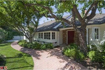 'Rules of Engagement' Star Lists in Sherman Oaks