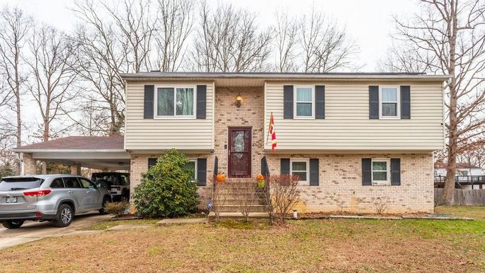 Four-bedroom home in Clinton, MD