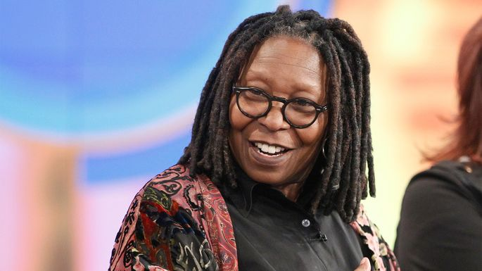 whoopi goldberg selling 8 8m pacific palisades estate