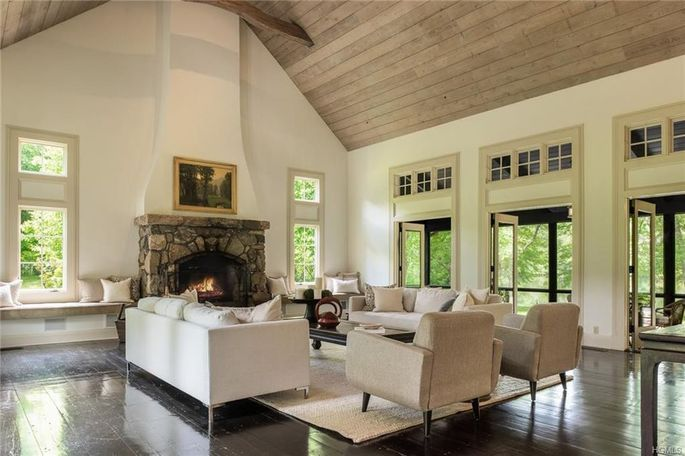 Great room with 18-foot-high ceiling