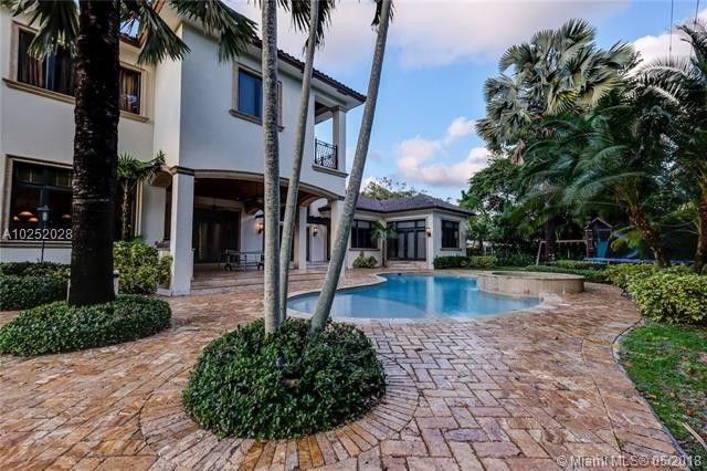 new styles 9a351 8b173 Penny Hardaway s former home in Pinecrest, ...