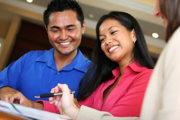 Mortgage Broker vs. Bank: Which Is Better for Buying a Home?