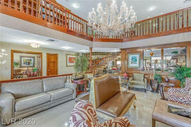 Living room Jerry Lewis house las vegas