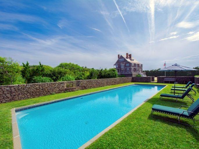 60-foot pool