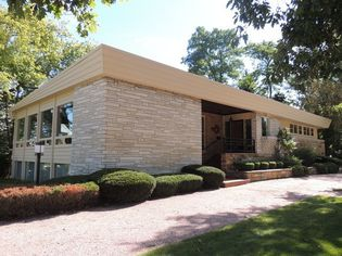 Mid-Century Modern Gem Near Lake Michigan Asks $1.13M