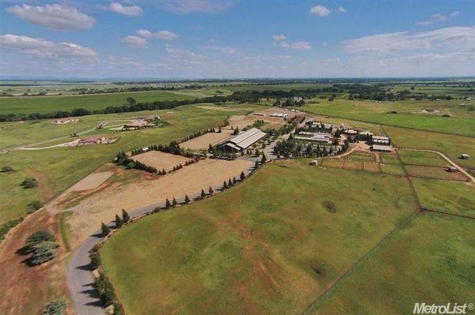 Greg Vaughn's horse property