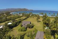 Julia Roberts Sells Home in Hanalei Bay for Nearly 50% Off
