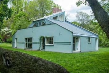 Postmodern Classic: The Vanna Venturi House Hits the Market in Philadelphia