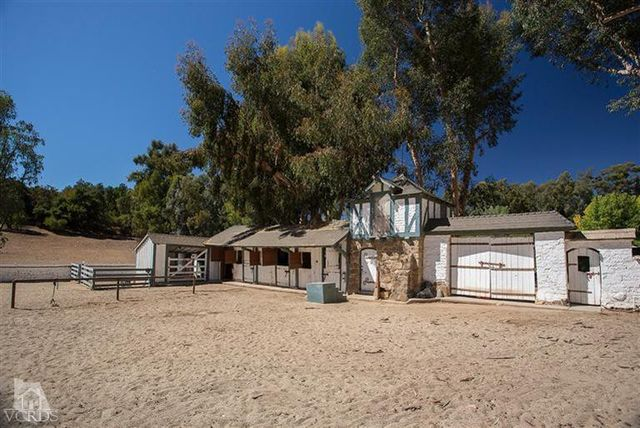 reese-witherspoon-sells-ojai-ranch-6