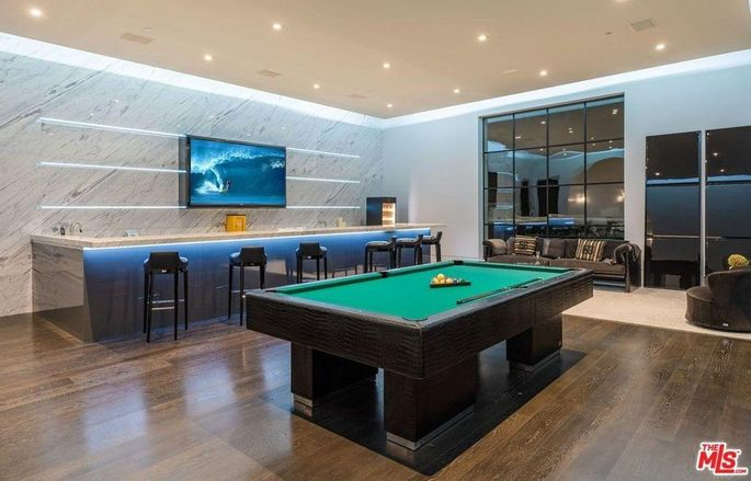 Wet bar and game room