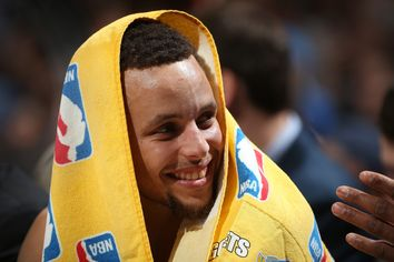 Tour Warriors' Stephen Curry's House in Walnut Creek, CA